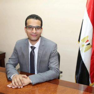 محمد سري كاتب المقال